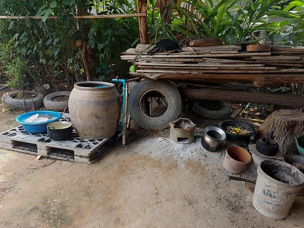Kochstelle Holzkohlengrill